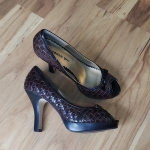 Madden Girl Lowla open toe bow brown weave heels
